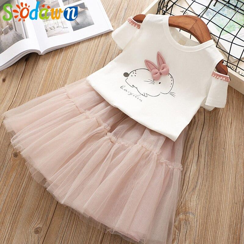 все цены на Sodawn 2018 Summer New Girls Clothes Set Fashion Children Clothing Cartoon Cartoon Rabbits Leak Shoulder T-shirt+Mesh Skirt 3-7Y