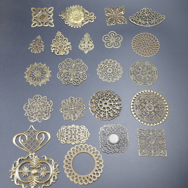 Antique bronze Metal Filigree Flowers Slice Charms base Setting Jewelry DIY Components 1