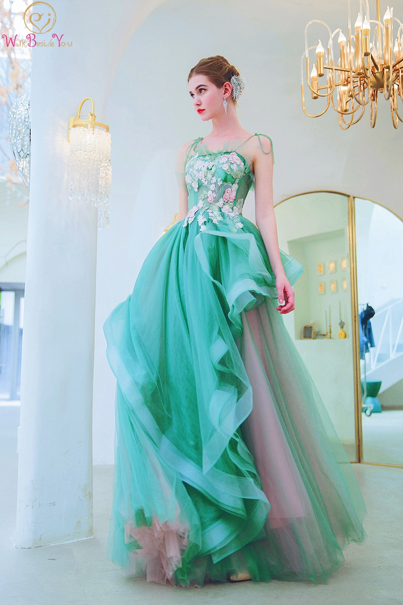 Green Evening Dresses 2019 Lace Appliques Pearl Crystal Long Spaghetti Strap A Line Prom Gown Formal Graduation Walk Beside You in Evening Dresses from Weddings Events