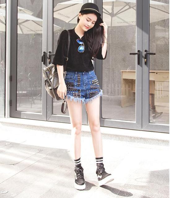 Abalorios de moda de cintura alta pantalones cortos de mezclilla femenina del verano 2016 nuevos estudiantes Coreanos remaches sueltos rebabas tide era delgada