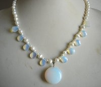 Charming Women Birthday Party Gift Pearl Jewellery White Color Freshwater Pearl Opal Necklace