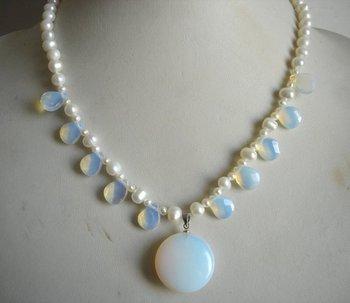 ff9dc33677aa Encantadora mujer cumpleaños fiesta regalo joyas de perlas de Color blanco  perla de agua dulce collar de ópalo