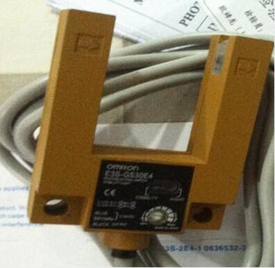 Free Shipping 2pcs/lot  new Switch E3S-GS30P1 DC three wire PNP normally open U type switch