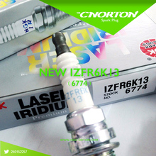 4X IZFR6K13 6774 Подлинных Свечи NGK Иридий Платина Свечи Зажигания Оригинальный для HONDA 9807B-56A7W