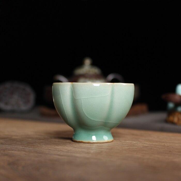 1pcs Chinese Longquan Celadon Porcelain China Teacups and SaucerTea Bowl Ancient Plum Green 65ml China Celadon Crackle Teacups