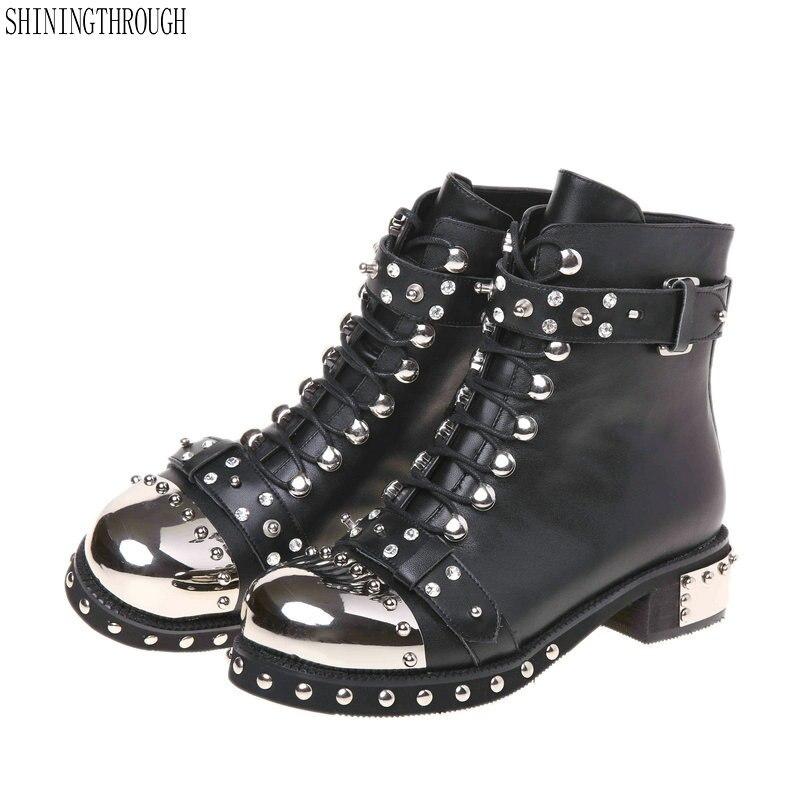 جديد 100% بقرة أحذية من الجلد امرأة كعوب منخفضة النساء الكاحل الغربية الأحذية الدانتيل يصل المسامير حذاء كاجوال امرأة أسود أبيض حجم كبير 43-في أحذية الكاحل من أحذية على  مجموعة 1