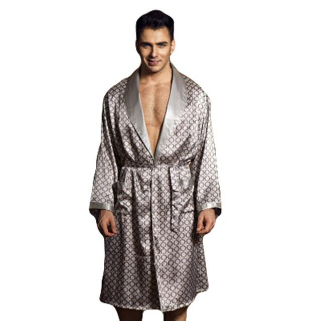 da80fffe13d55 2017 D'été Pyjama Homme Robe Sexy Peignoir Hommes Robe De Chambre En Soie  Robes