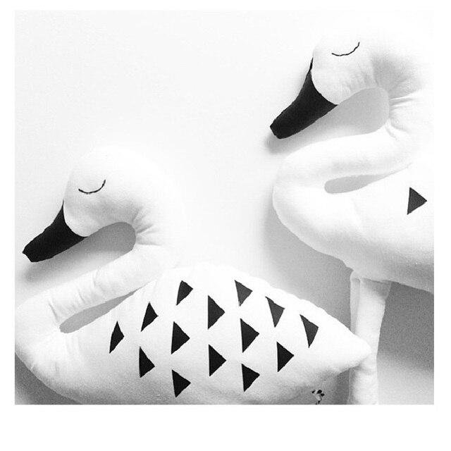 Горячая Продажа 24*24 см Милые Животные Прекрасный Лебедь Подушки Ребенка Спокойный Сон Куклы Мягкие Игрушки Подарки Для девушки Украшения Комнаты