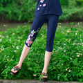 Mujeres Capris Pantalones de Verano Más Tamaño Ocasional Flores Bordadas Étnico Delgado Elástico de Algodón de Capris Negro Azul Blanco Legging