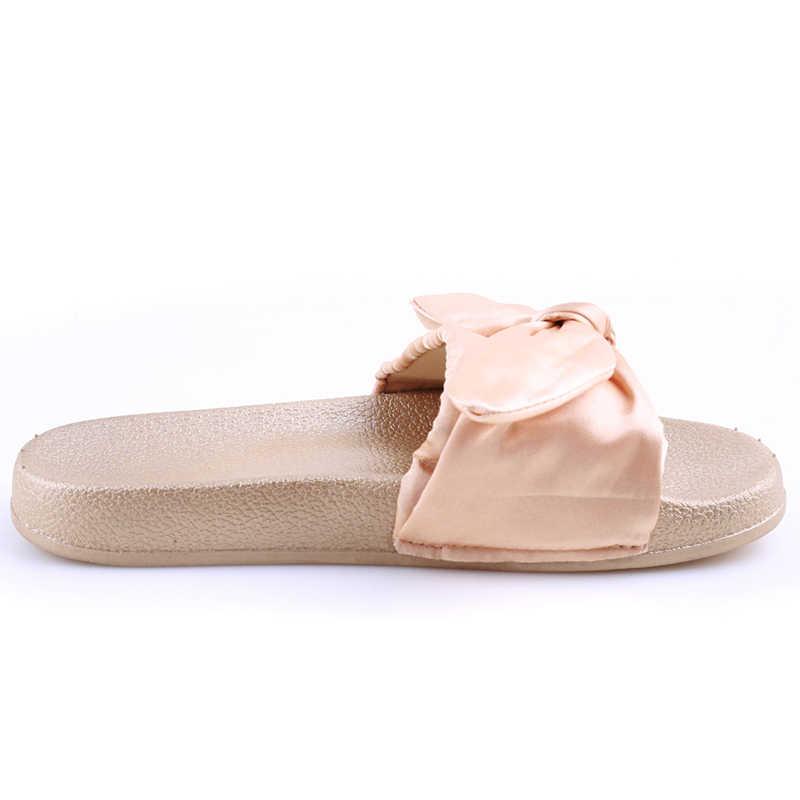 2018 сезон осень-лето; Милые шелковые шлепанцы с бантом; женская летняя пляжная обувь; женские шлепанцы; вьетнамки на плоской подошве с бантом; женские сандалии в богемном стиле