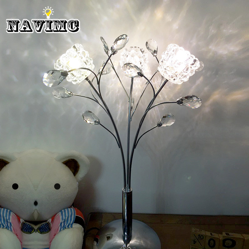 Luxary classic American bedroom foyer European crystal table lamp glass tall LED table lamp 3 head desk light G4 LED desk light