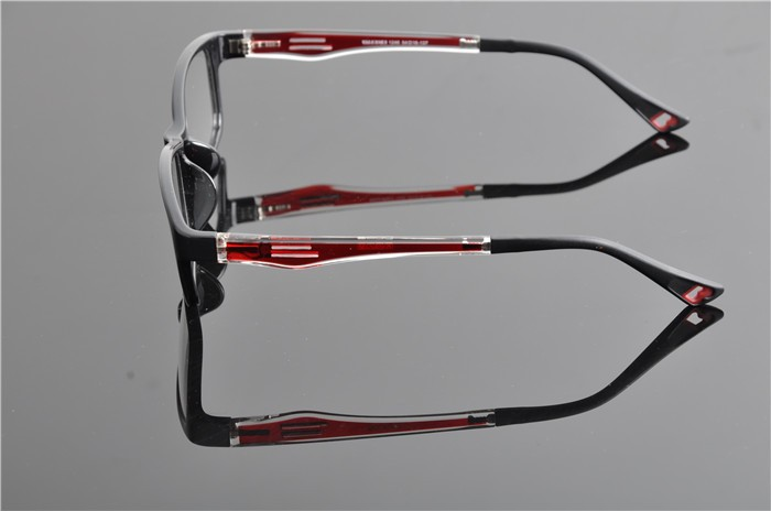 c4 black red frame (3)