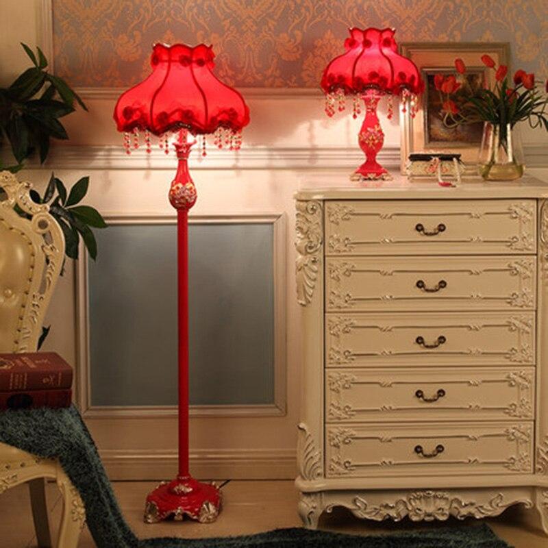 Lampadaires de mariage chinois traditionnel résine rouge créative lampes debout salon abat-jour en tissu avec télécommande