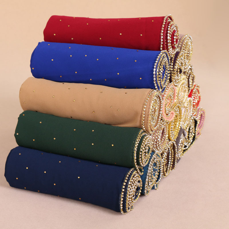 H1236 Latest big size bubble chiffon muslim long scarf with gold rhinestones on whole scarf zippers