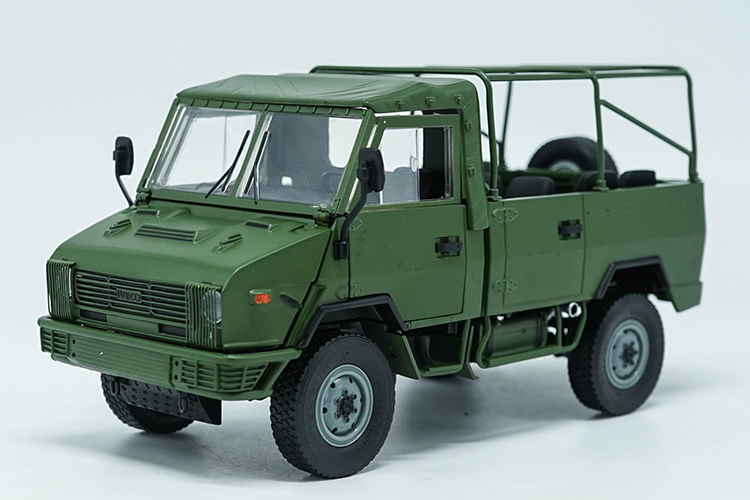 1:24 Diecast Model for NAVECO IVECO NJ2046 ARMY Truck (Green) Alloy Toy Car Miniature Collection Gifts Van 1 30 diecast model for foton lovol m2104 k tractor alloy toy truck miniature collection gifts td tg series