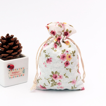 Купить с кэшбэком 100pcs/lot Pink Flowers Linen Cotton Bags 10x14cm Small Party Favor Bracelet Charms Jewelry Packaging Bags Muslin Gift Bag Pouch