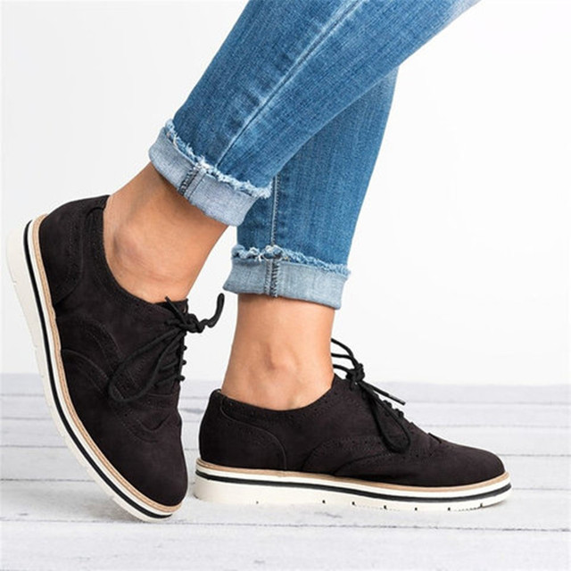 a3cb6ad57b Women Flats Casual Shoes Brogue Lace-Up Shoes Woman Platform Oxfords  British Style Fashion Flat Ladies Shoes Big Size 35-43