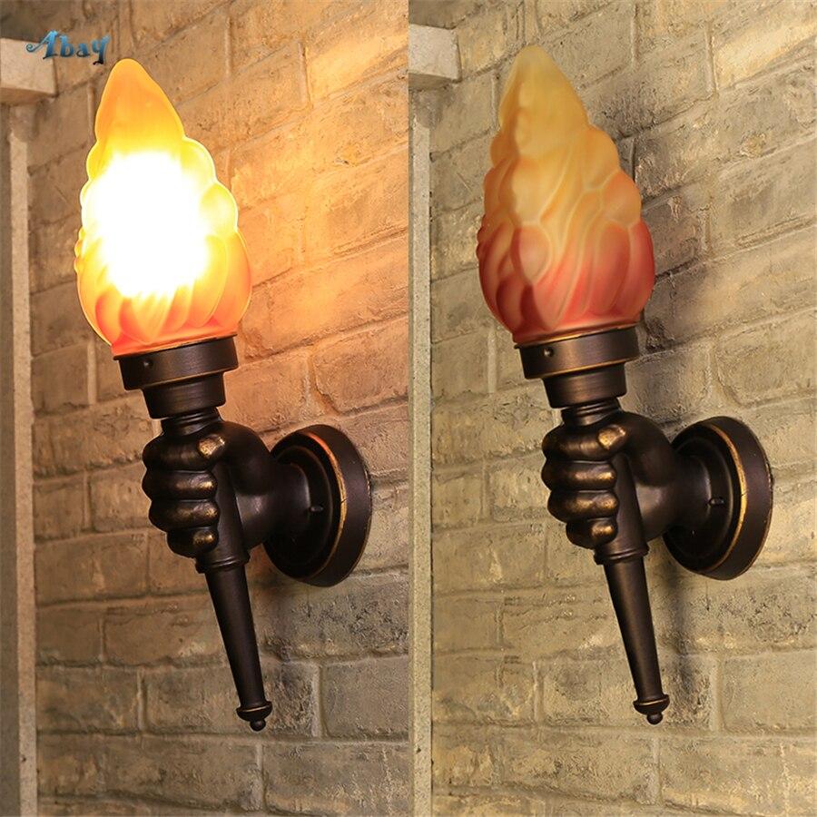 Novelty VINTAGE กำปั้นไฟฉายรูปร่างสำหรับบาร์ KTV Cafe ห้องอาหาร Light LOFT Deco ประเทศสไตล์ในร่มแสง-ใน โคมไฟติดผนัง LED ในร่ม จาก ไฟและระบบไฟ บน