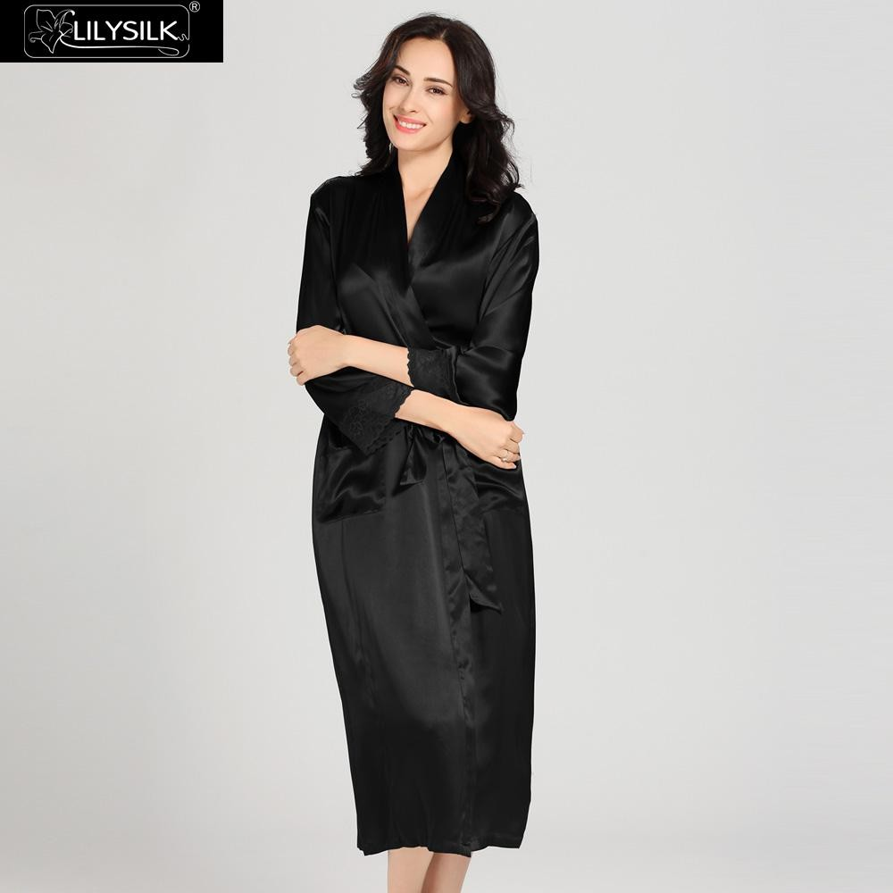 1000-black-22-momme-flowing-lace-silk-nightgown-&-dressing-gown-set-02