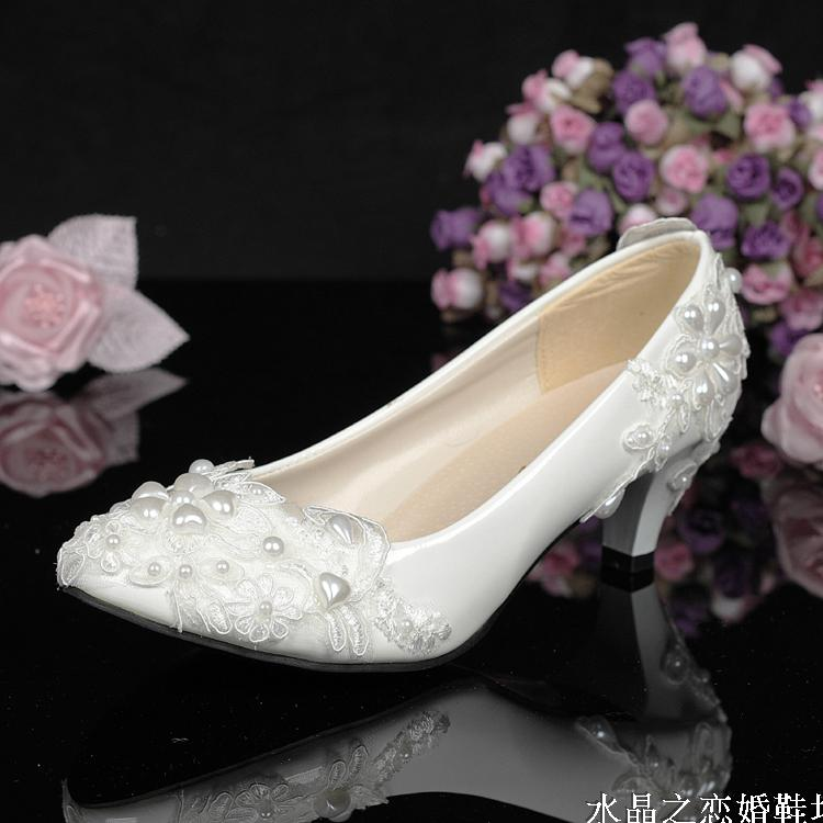 White bride and bridesmaids party shoes lace pearl single shoes wedding shoes pumps