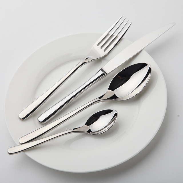 Set di stoviglie in acciaio inox da tavola di lusso posate - Poggia posate da tavola ...
