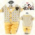 Lo nuevo 2015 Otoño Ropa Cabritos de la capa + Camiseta + Pants 3 Unids Establece Niños Trajes Bebés amarillos trajes