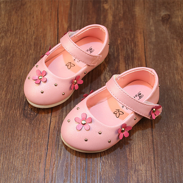 Baby Princess Shoes 2017 Summer NEW ARRIVAL Flowers/Rivets Infant Shoes Toddler Girl Sandals & Clogs Pink Leather Shoes A02101
