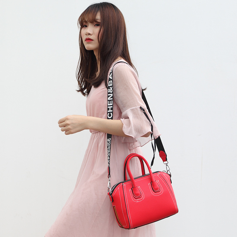 Simple solid color fashion brand Korean smiley face designer handbags high quality lychee soft face Genuine Leather women bag in Shoulder Bags from Luggage Bags