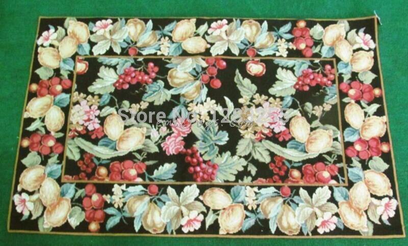 Les tapis à aiguilles de chine sont des tapis Orbusson orientaux brodés à la main avec une couronne de laine tissée traditionnelle