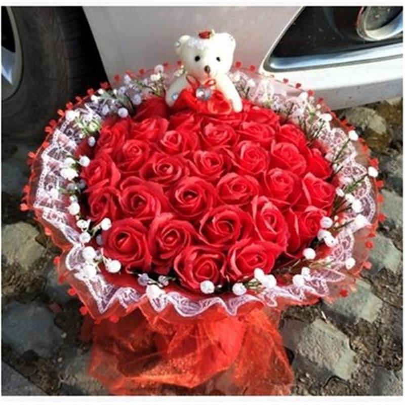 Main ours en peluche en peluche jouets avec faux roses de mode fleur de bande dessinée bouquet creative Jour de Valentine graduation anniversaire cadeaux