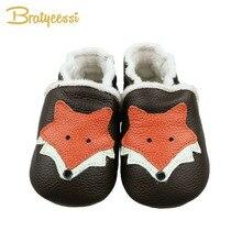 Детская обувь с рисунком лисы для новорожденных; зимние детские мокасины из натуральной кожи с плюшевой подкладкой; обувь без шнуровки на мягкой подошве для малышей