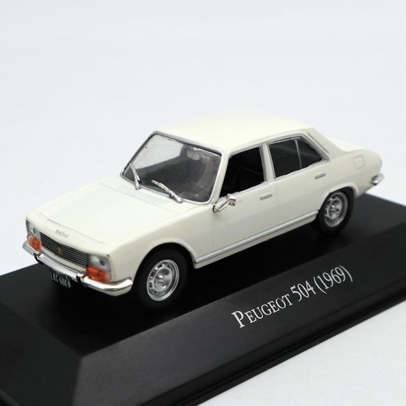 PEUGEOT 504 1969 1:24  New /& Box Diecast model véhicle miniature