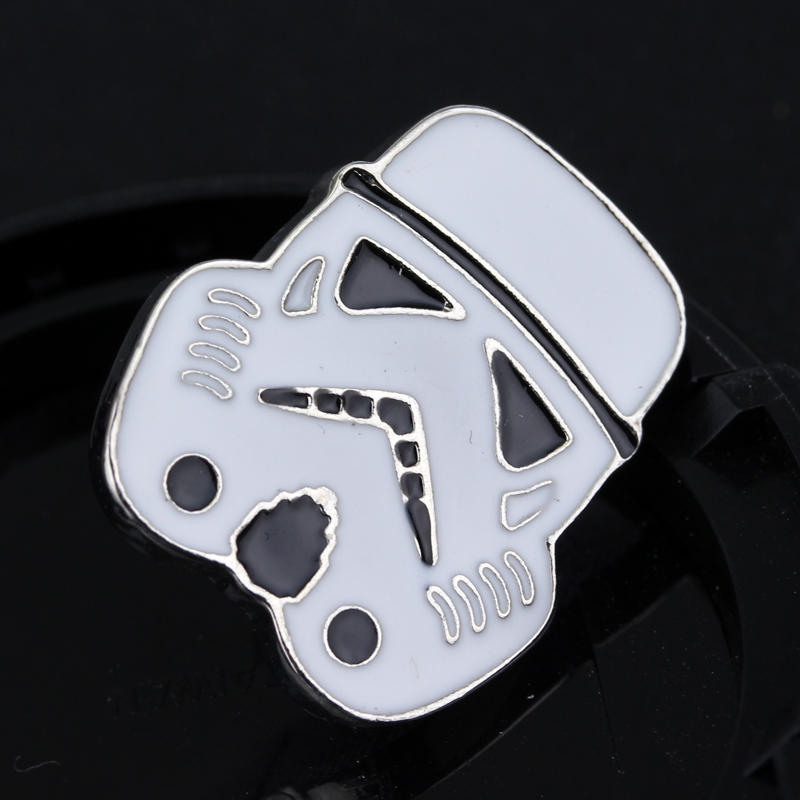 New Arrival High Quality Jewelry Superhero Justice League Brooches Emblem Badge Star Wars Mask Brooch For Women Men