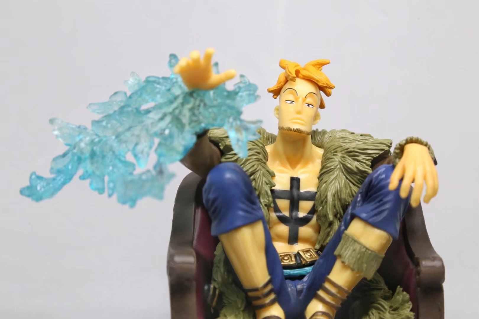 Hot-venda 1 pcs 15 cm anime Japonês figura one piece Marco sentado ver action figure collectible modelo brinquedos brinquedos