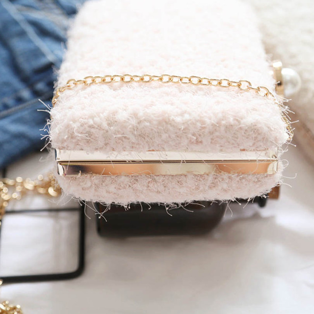 Lace Wool Decoration Clutch Bag  1