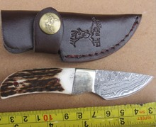 Portable Handmade Damascus Steel Tactical Hunting Knife Fixed Blade 59HRC Collection Gift Outdoor Survival
