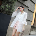 Женщины Блузки 2016 Весна Лето Мода Рог Рукав Блузки Кардиган Солнце Кружева Рубашки Женщины Топы Рубашки Солнцезащитный Крем Одежда Blusas
