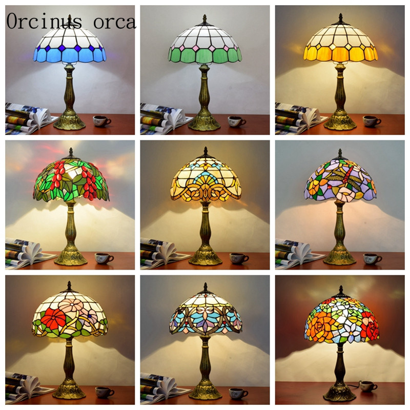 Европейская цветные стекла, настольные лампы бар спальня ночники Средиземноморский пастырской цвет резьба декоративные настольные лампы ...