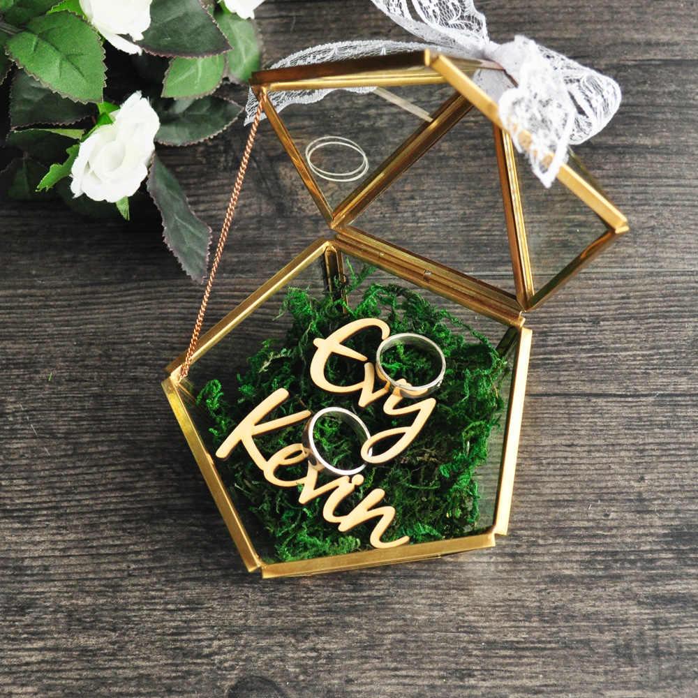 カスタム名の結婚式ガラスリングボックスガラスリング枕ガラスジュエリーボックス五角形幾何銅リングホルダー