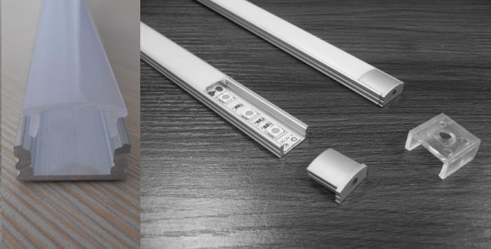 1M / 3.3FT hliníkový kanál / profil ve tvaru U s opálovým krycím koncovým krytem a montážními sponami pro povrchovou montáž LED pásek