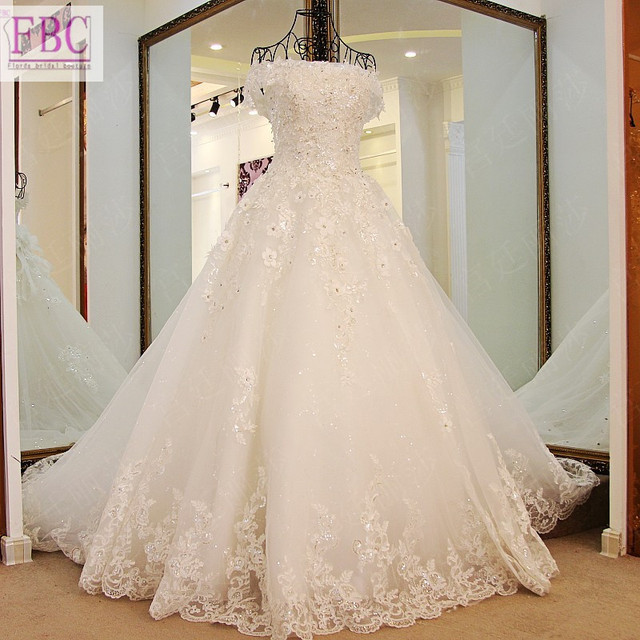 2018 Real Picture Ball Gown Tulle Wedding Dresses Scoop Handmade Flowers Lace Liques Bridal Gowns