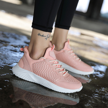 2018 New Summer Hot Sell Outdoor Lightweight Womens Athletic Shoes Sport Sneakers Breathable  Air Mesh Light Running