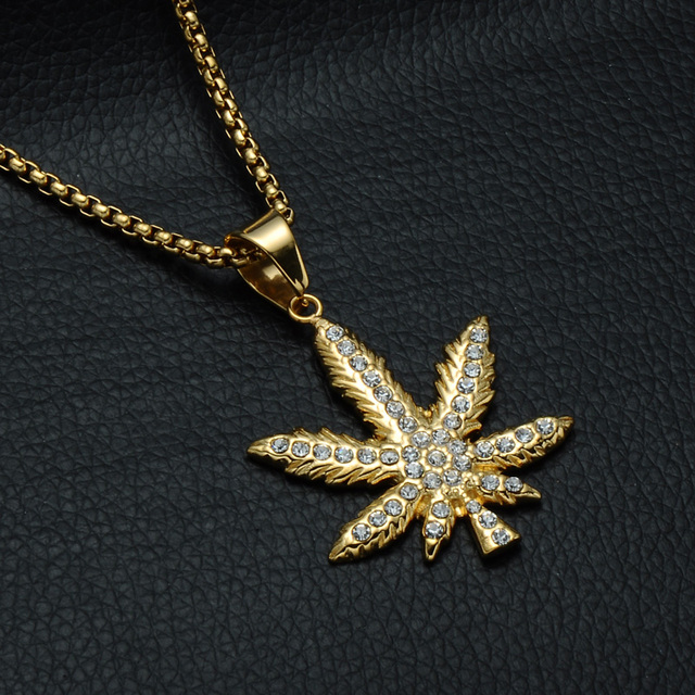 HIP Hop Bling Iced Out Crystal Cannabiss Maple Leaf Charm Necklaces Pendant Gold Filled Titanium Necklace for Men Sports Jewelry 3