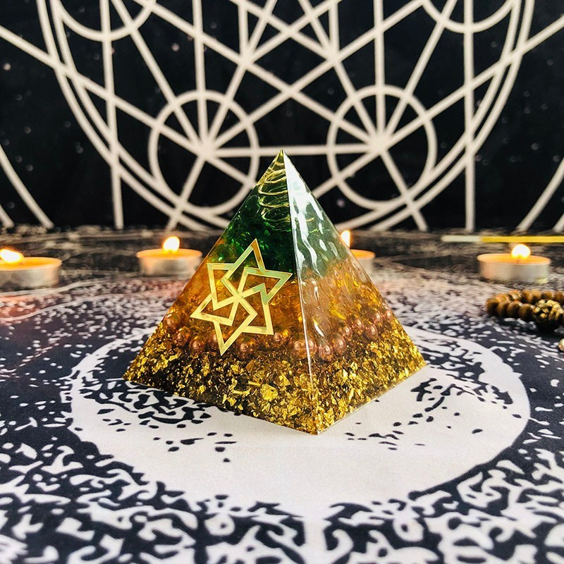 Orgonite Pyramid Maripura Chakra Natural Citrine Gabriel Enhance Creative Resin Green Crystal Jewelry Decoration C0162