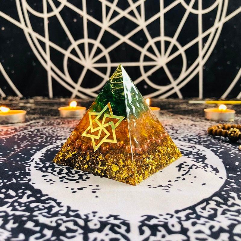 Orgonite Pyramid Maripura Chakra Natural Citrine Gabriel Enhance Creative Resin Green Crystal Jewelry Decoration C0162