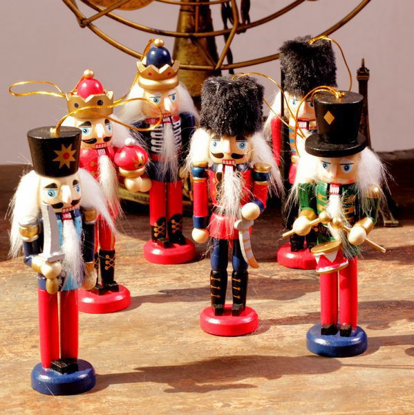 AIBEI 12cm Wooden Nutcracker puppets 6PCS LOT Moving the mouth ZAKKA Small Figurine Home Decoration Birthday