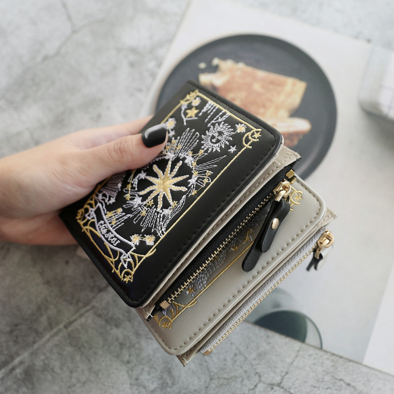 Kiss Me European Wind 2019 Spring On New Fashion Trend Embroidered Maam Short Fund Student Wallet Woman