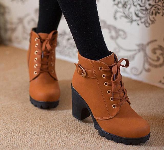 Otoño invierno 2015 mujeres zapatos de tacón alto nuevo más el terciopelo botas  cortas tacones gruesos 4445e37764d4