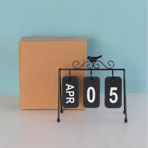 Image 4 - 2020 패션 수동 책상 금속 달력 홈 장식 사무실 테이블 calendario pared 나무 편지지 소녀 생일 선물