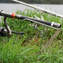 Steel Automatic Fishing Rod Mount Spring Angle Adjustable Fishing Pole Holder Outdoor Sea Rod Fishing Tackle Supplies